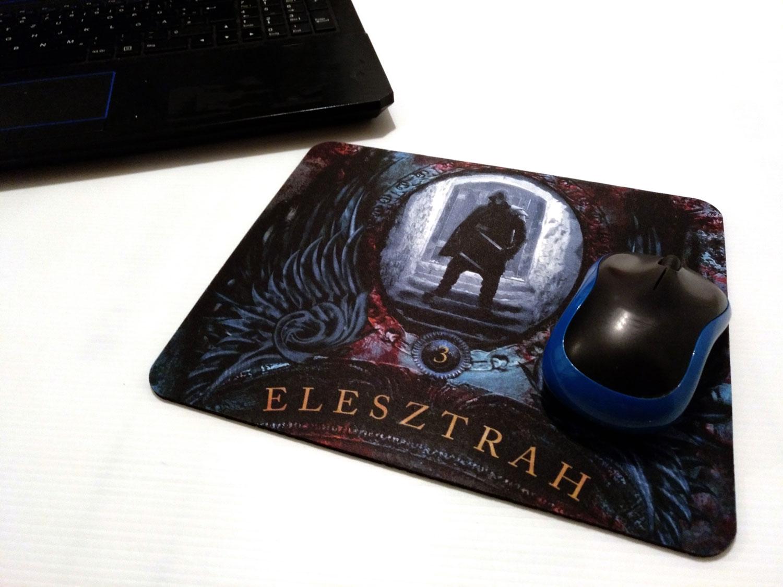 "Mauspad mit dem Cover von ""Elesztrah 3"""